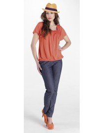 Top with wide sleeves and elastic waist