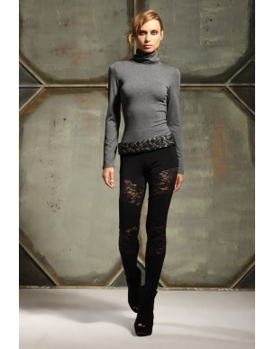 Leggings with lace pieces
