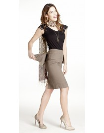Pencil skirt decorated with zips