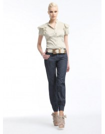 Shirt with ruffles on the sleeves