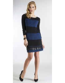 Double-coloured knitted shirt-dress with lace