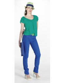 Top with ruffles sleeves and elastic waist