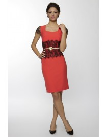Dress with laced sleeves and gold belt