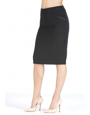 Skirt with chain at the side